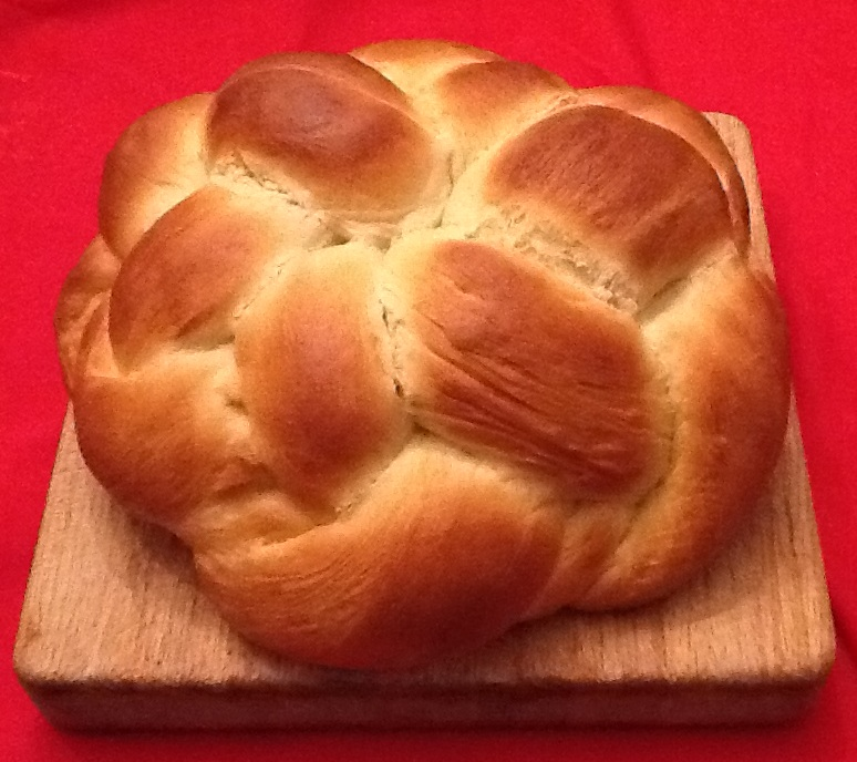 Six-strand braided round holiday challah